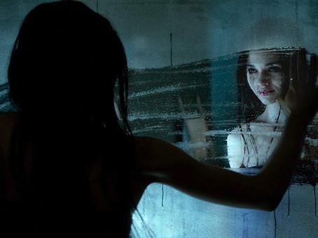 Crítica: Indeciso, 'Não Olhe' se atrapalha entre drama e terror