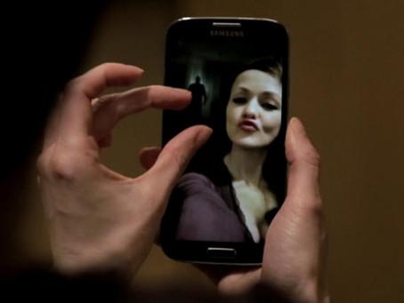 Crítica: 'Selfie para o Inferno' não assusta e não cativa