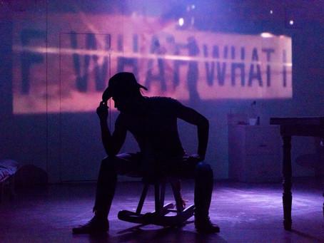 'Bugchaser - Coração Purpurinado' é teatro sem medo de feridas