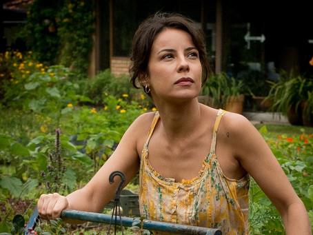 Crítica: 'O Jardim Secreto de Mariana' mostra o amor em seu estado bruto