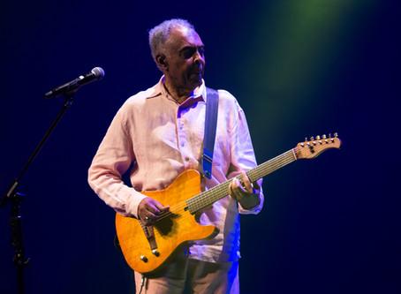 Gilberto Gil faz show em São Paulo em estado de prece