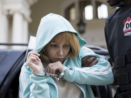 Crítica: 'A Menina que Matou os Pais' é filme mediano sobre Suzane von Richthofen