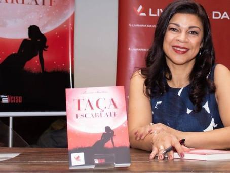 Autora de 'Taça Escarlate' fala sobre literatura e 'universo feminino'