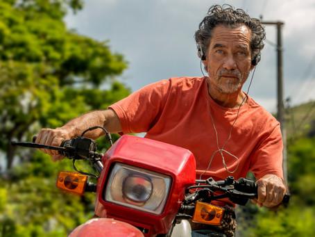 Festival de Gramado: O Brasil visto pelo retrovisor com 'Homem Onça'