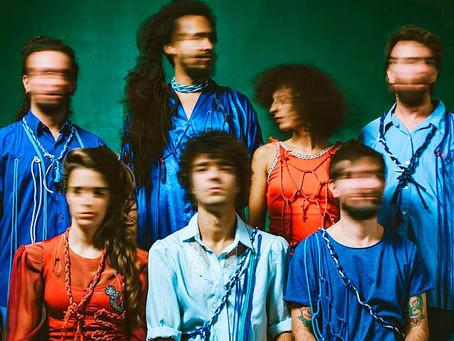Em seu segundo álbum, banda NÃ volta ainda mais crítica e afiada