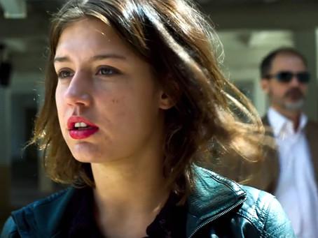 'Faces de uma mulher' ousa com narrativa original e elenco primoroso