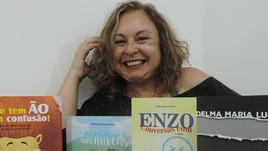 Entrevista com autora de 'Microscópio'