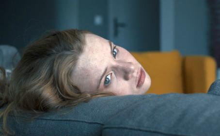 Crítica: 'Blue My Mind' é retrato hostil e fantasioso da adolescência