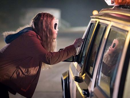 Crítica: 'Os Estranhos: Caçada Noturna' diverte, mas é genérico