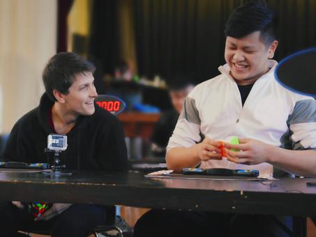 Crítica: 'Magos do Cubo', da Netflix, mostra bastidores de competições de cubo mágico