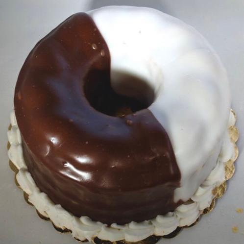 "8"" Black & White Cookie Cake"