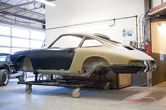 Porsche-911-restoration-Tuthill-2-1200x7