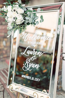 eleagnt-mirror-and-greenery-wedding-welc