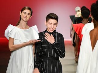 Rafael Bueno: 16 anos, estilista autodidata e uma lição de vida pra todos nós!