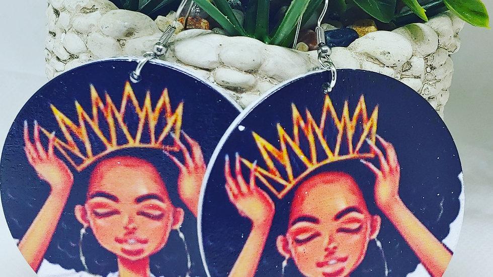 Adjust your Crown Queen Earrings