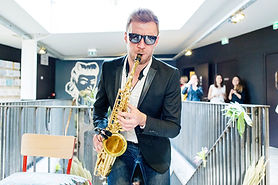 Saxophoniste Nord Pas De Calais mariage DJ Lille Béthune Lens Arras Cambrai Belgique événementiel soirées privées lounge cocktail klingande bakermat deep house 62 59 Saxo Live Saxophone EDDSAX