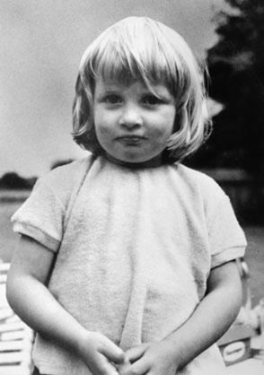 princess-diana-very-young
