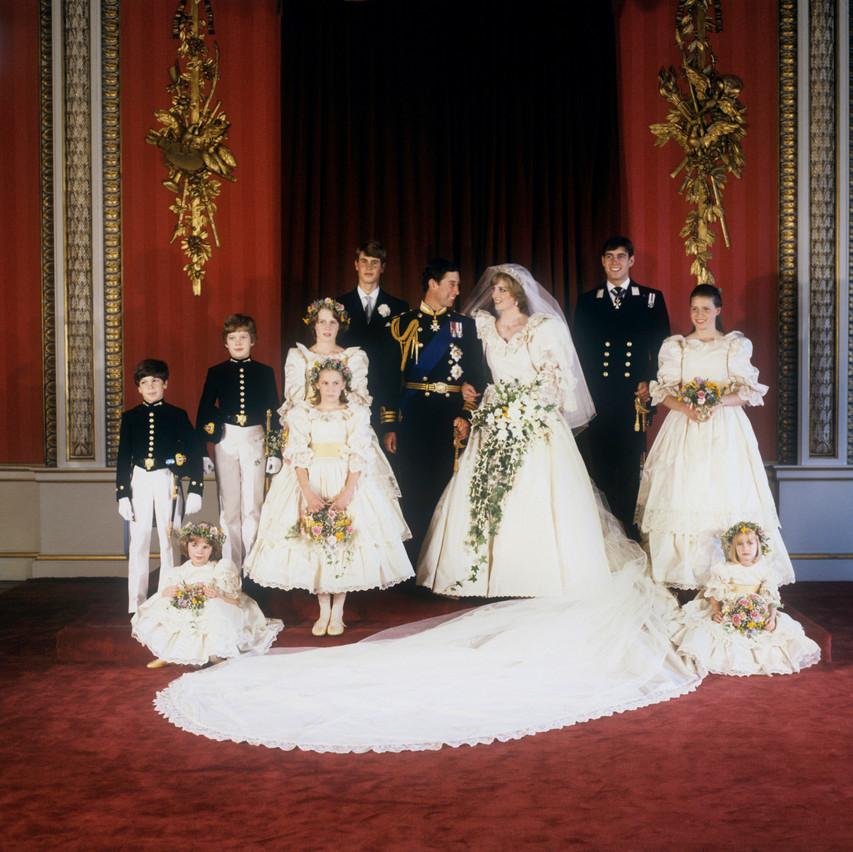Princess-Dianas-wedding-dress-2