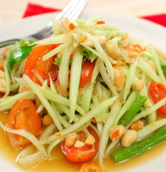 Authentic Green Papaya Salad