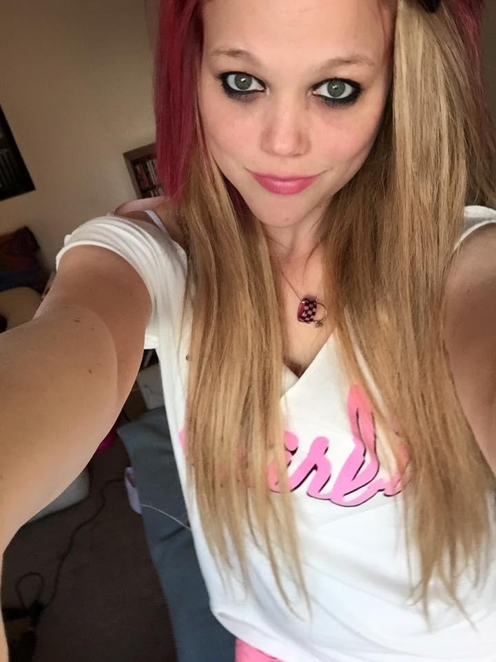 "<a  data-cke-saved-href=""https://itunes.apple.com/us/album/barbie-girl-radio/id63001?i=62983&uo=6&at=&ct="" href=""https://itunes.apple.com/us/album/barbie-girl-radio/id63001?i=62983&uo=6&at=&ct="" target=""itunes_store"">Barbie Girl - Aqua</a>"