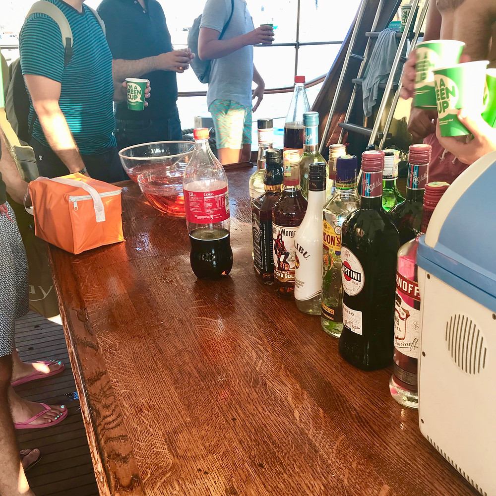 Aquaholics Boat Party