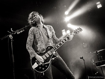 Fountains of Wayne Guitarist Jody Talks Band, Tours, Life and Fun Facts