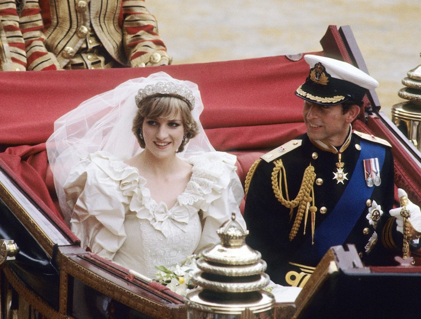 in-memory-of-diana-princess-of-wales-who-was-killed-in-an-au-1-e1439305929675-1152x646