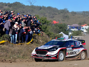 EVANS LEADS IN ARGENTINA AHEAD OF FINAL-DAY SHOWDOWN