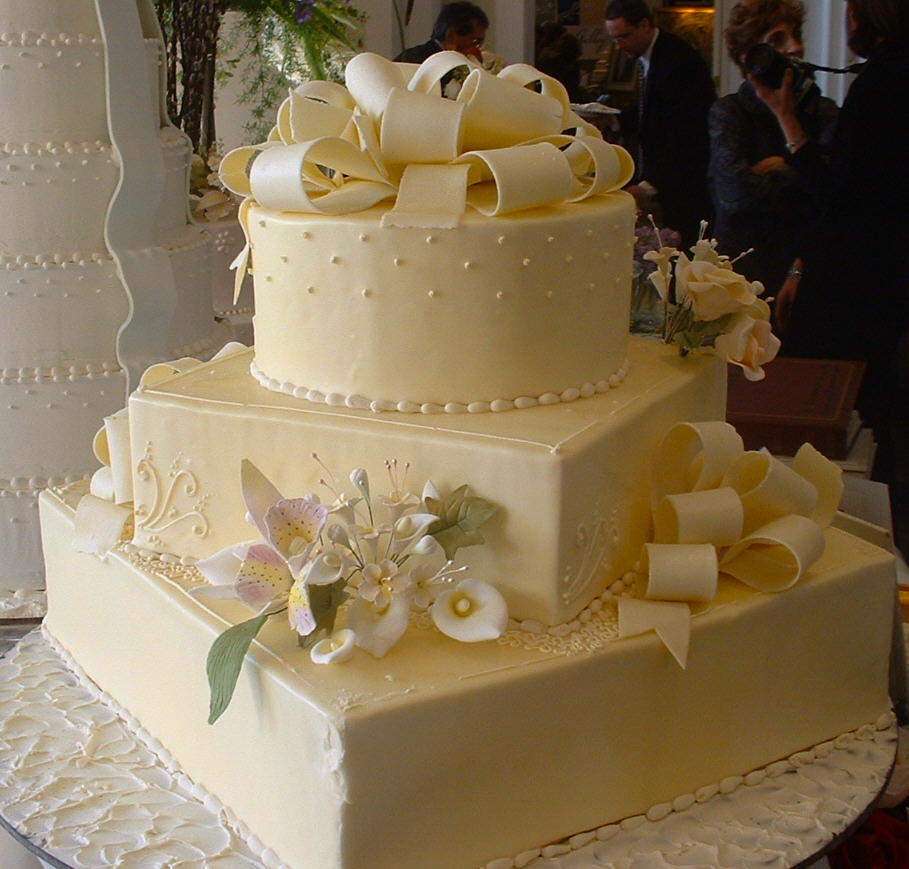 WeddingCake_Chives.jpg