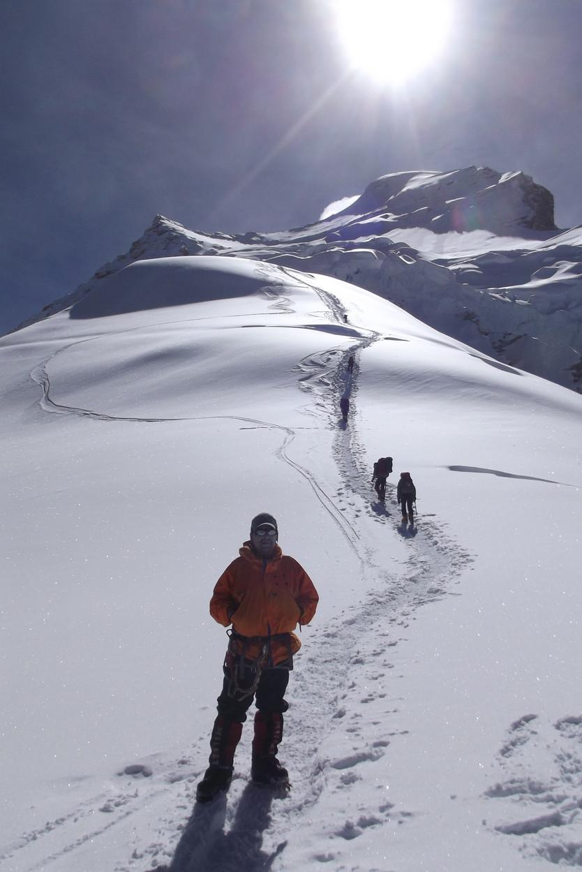 Expedición Manaslu, la cumbre después del pico de la pandemia