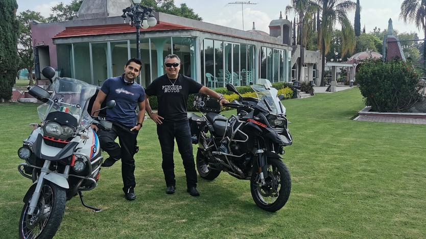 Padre e hijo recorrerán todo el país en sus motocicletas