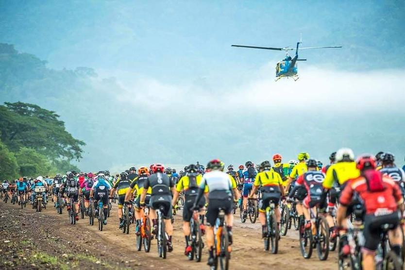 A cruzar de costa a costa Costa Rica en bici de montaña