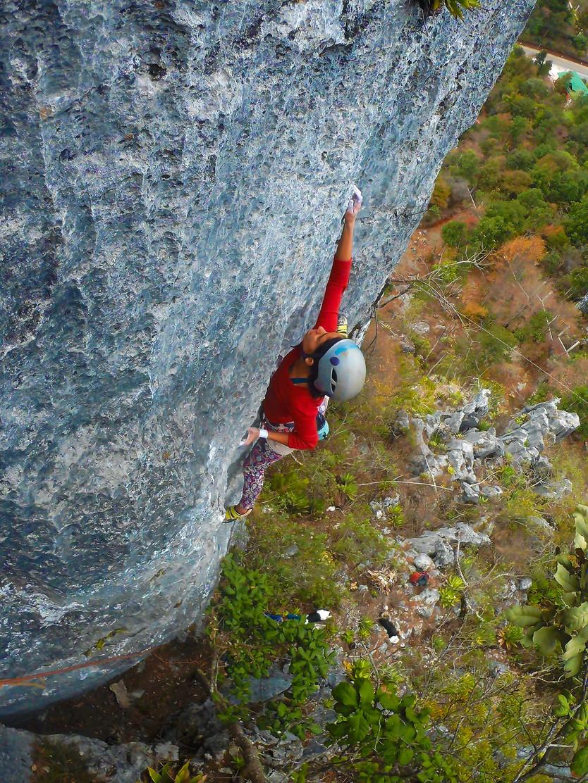 Aprovechan la cuarentena para abrir nuevas rutas de escalada en roca