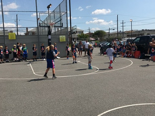 Extreme Hoops hosts fundraiser and skills clinic for Clare Droeschs 3 on 3 tournament to help crush