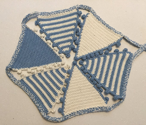 Bunting/garland/wall decor/crochet bunting/handmade/nursery decor/baby shower