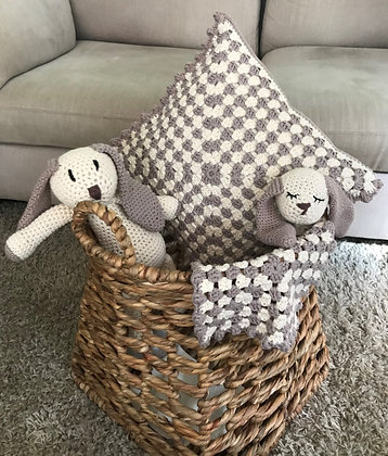 Baby toy/nursery decor/newborn gift set/baby shower/comforter/handmade/crochet