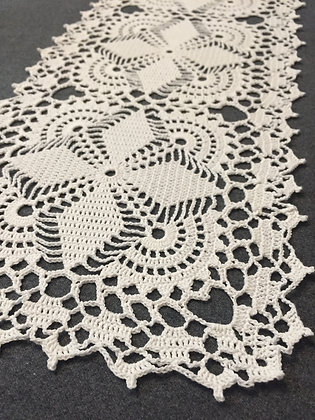 Crochet doily/tableware/table runner/handmade/flower/home decor/'Syringa'