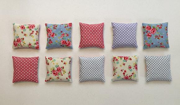 Lavender bags/sachets/lavender/liberty print/better sleep