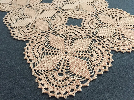 Crochet doily/tableware/table runner/handmade/home decor/'Vinca'