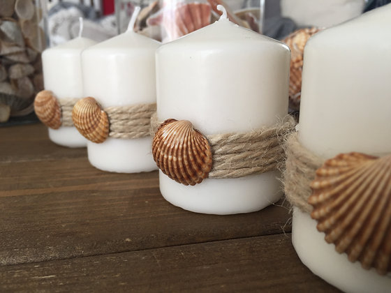Candle set 'Shell' decorated with thick jute cord and a shell