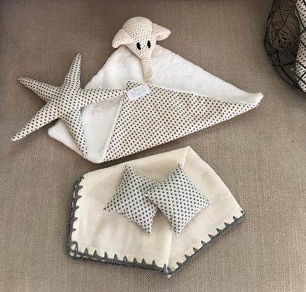 Baby toy/newborn gift set/baby shower/comforter/crochet/elephant/starfish