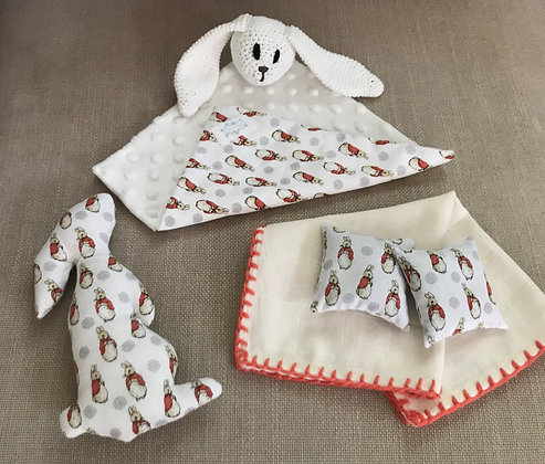 Peter rabbit/rattle/baby toy/newborn gift/baby shower/comforter/handmade/bunny