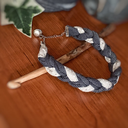 Cottage style pet collar and bracelet
