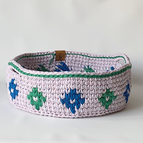 Mother of Pearl Basket with Green Diamonds