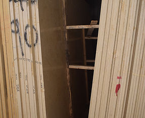 Egyptian marble Slabs packed in normal way Egyptian marble Slabs packed inside wooden bundles