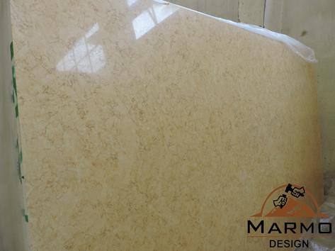 Sunny Cleopatra polished slabs, Marble E