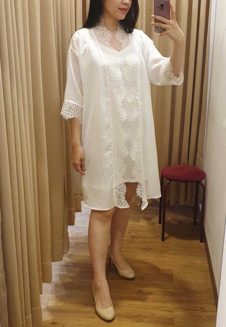 Pristine Short Robe