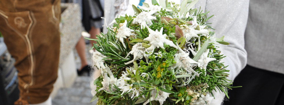 Brautstrauß trachtig
