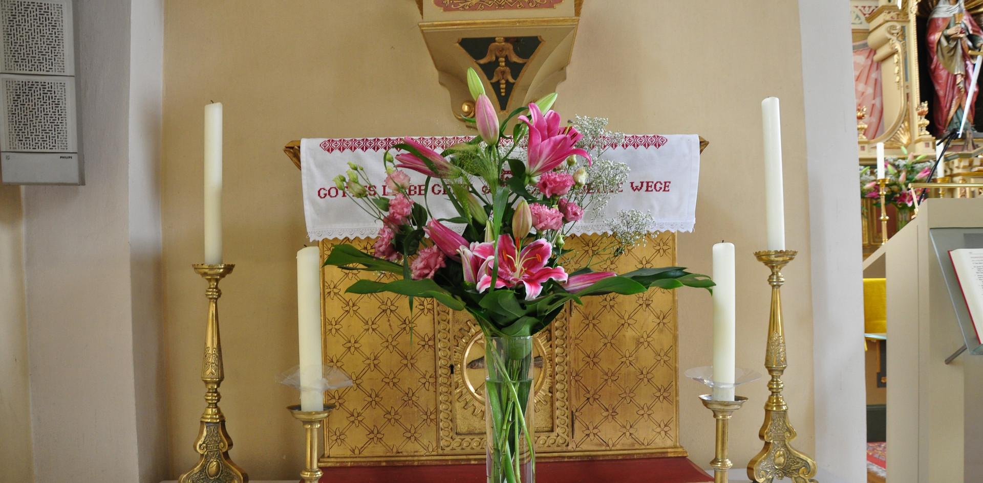 Kirche Blumendeko
