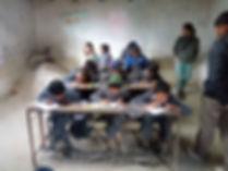 Notre dernière visite à Nagarkot. Les élèves travaillent dans un batiment temporaire